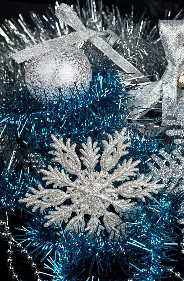 Decoração do Natal e e floco de neve de prata fotos de stock