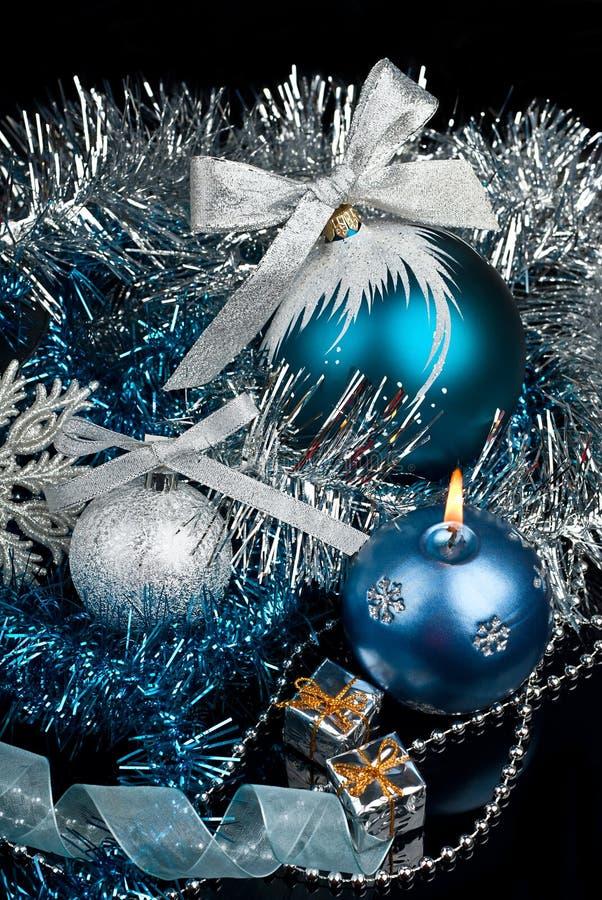 Decoração do Natal e e floco de neve de prata fotografia de stock royalty free