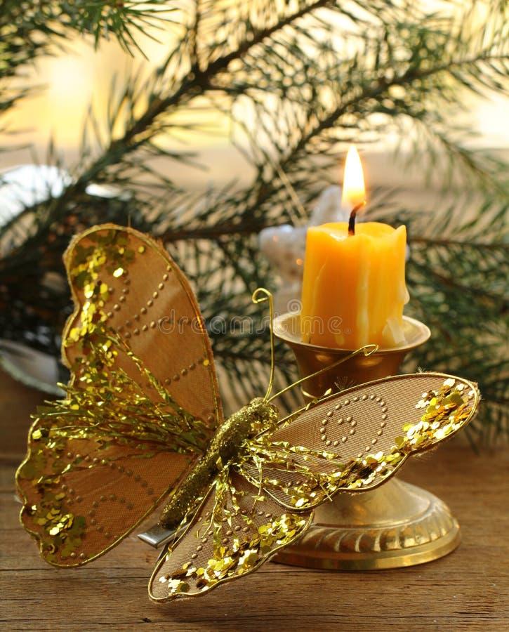 Decoração do Natal - filiais do abeto, velas fotos de stock royalty free