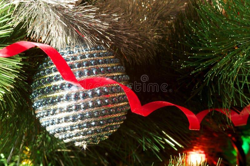 Download Decoração Do Natal Na árvore Imagem de Stock - Imagem de brilho, conifer: 16855525