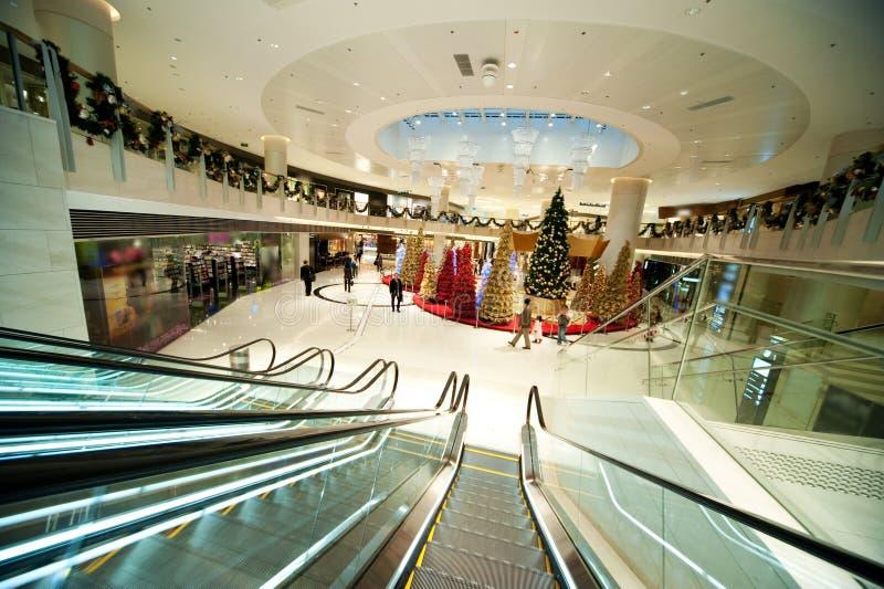 Decoração do Natal na alameda de compra fotos de stock