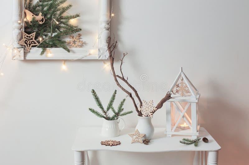 Decoração do Natal na parede do fundo fotografia de stock royalty free