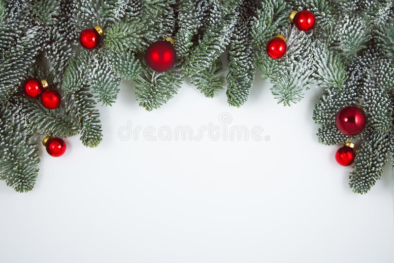 A decoração do Natal no branco, pode ser usada como o fundo fotografia de stock