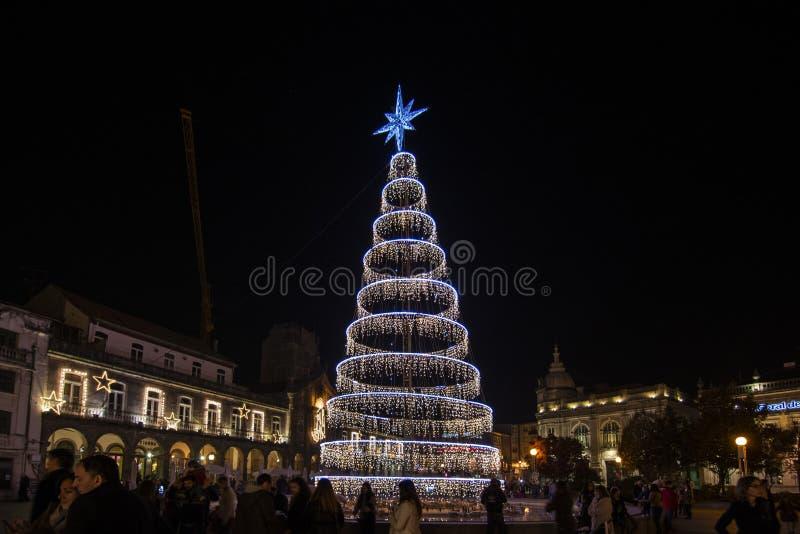 Decoração do Natal no quadrado da cidade Braga, Portugal imagens de stock royalty free