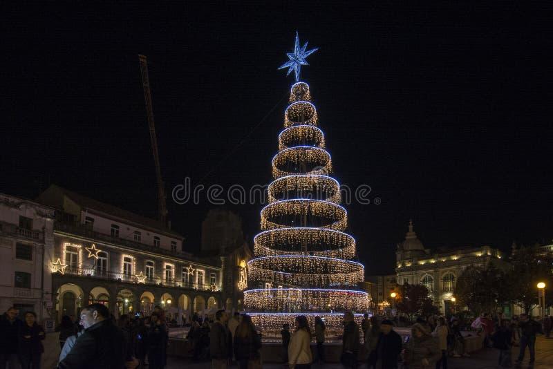 Decoração do Natal no quadrado da cidade Braga, Portugal foto de stock royalty free