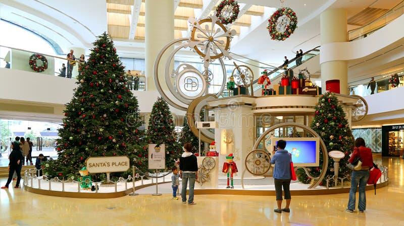 Decoração do Natal no shopping fotos de stock