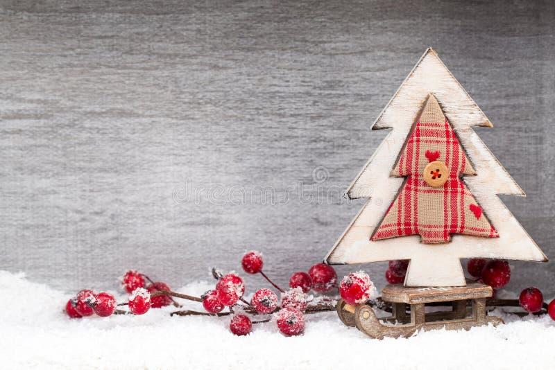 Decoração do Natal Papai Noel em um sledge Xmas do símbolo imagens de stock