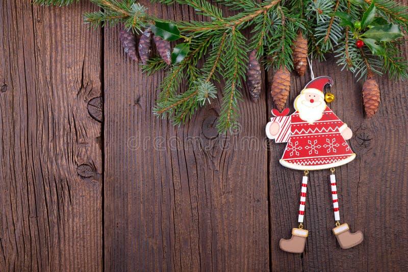 Decoração do Natal sobre o fundo de madeira velho foto de stock royalty free