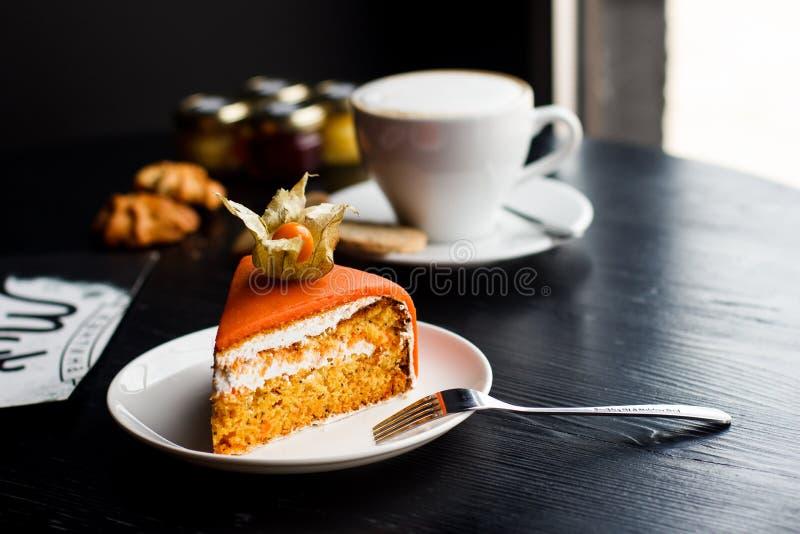 Decoração doce do close up da padaria do bolo alaranjado fotografia de stock
