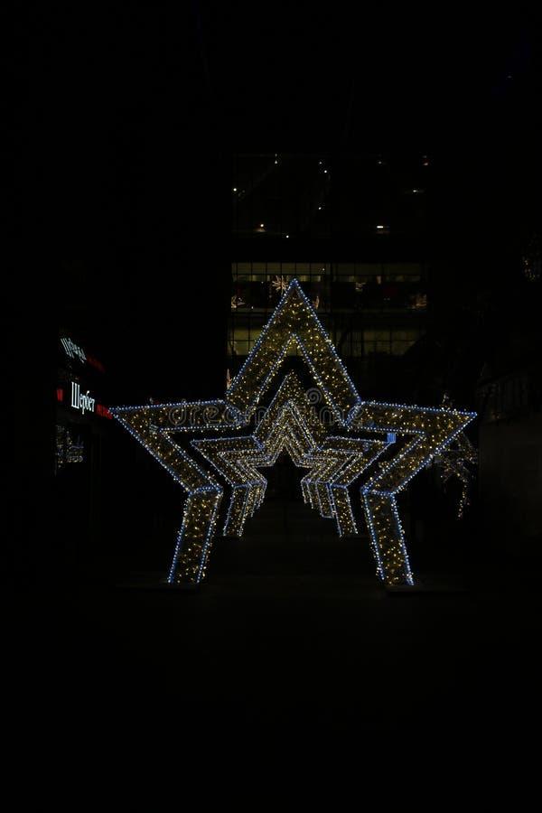 Decoração festiva da rua para o feriado do ano novo fotos de stock royalty free