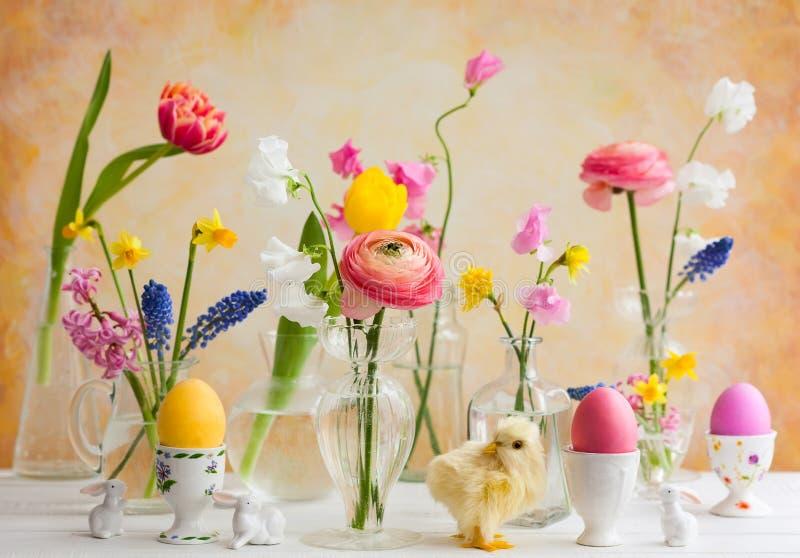 Decoração festiva da tabela da Páscoa fotos de stock royalty free