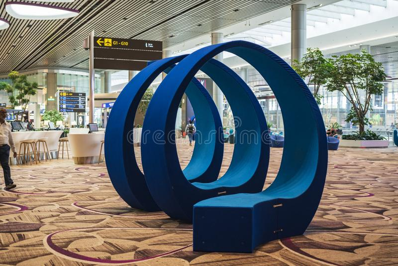 Decoração interior do terminal de aeroporto 4 de Singapura Changi fotografia de stock royalty free