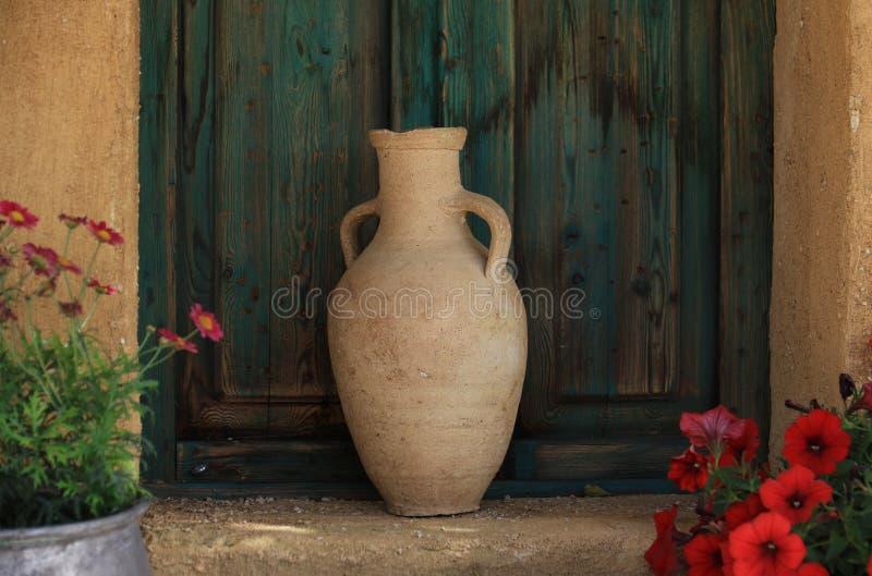 Decoração libanesa do frasco da terracota foto de stock