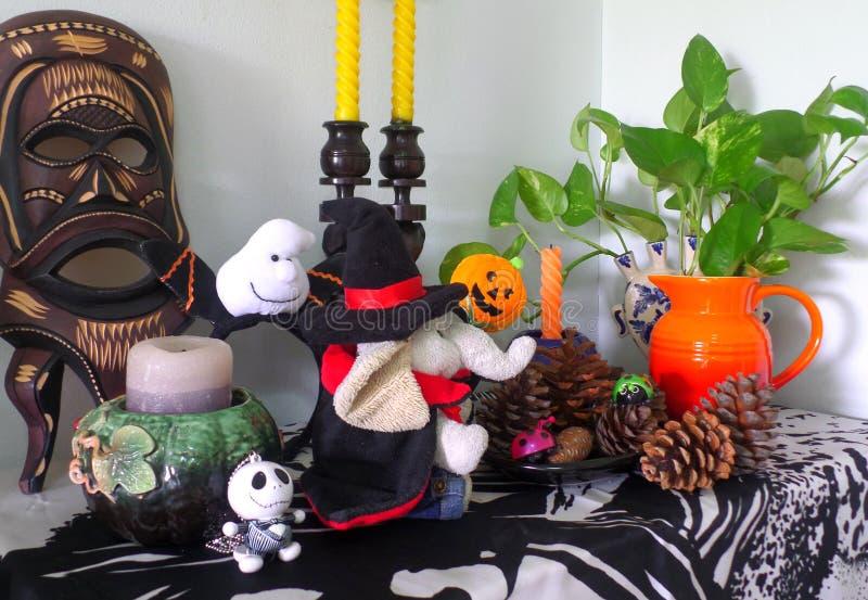 A decoração a mais bonito de Dia das Bruxas na sala de visitas!! imagem de stock royalty free