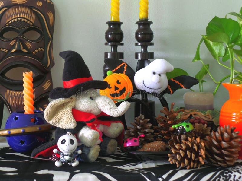 A decoração a mais bonito de Dia das Bruxas para a sala de visitas!! foto de stock
