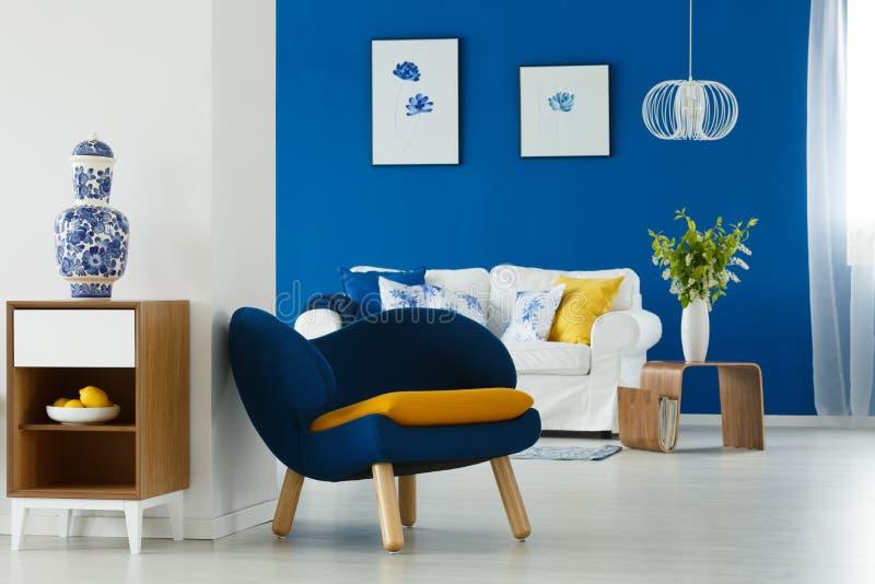 Decoração moderna da sala de estar foto de stock royalty free