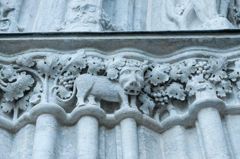 Decoração na fachada da igreja em Visby, detalhe arquitetónico foto de stock royalty free