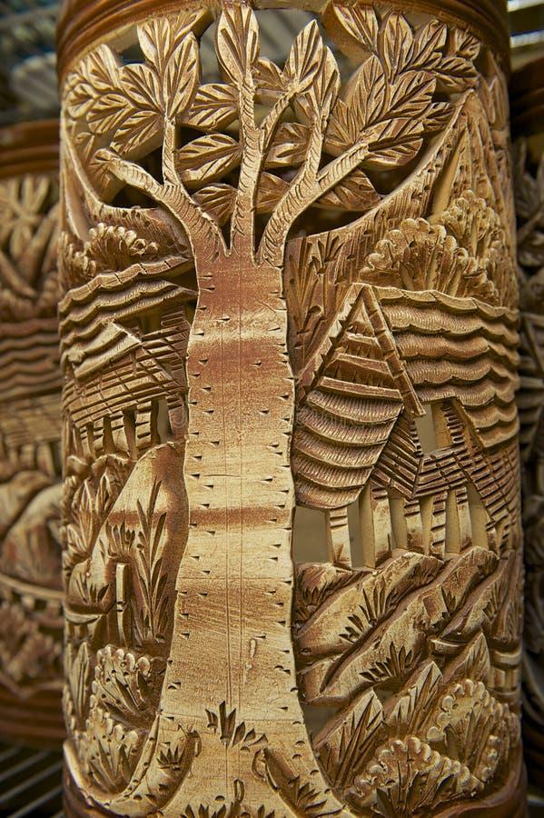 Decoração tribal em lembranças tradicionais, Kuching dos motriz, Sarawak, Malásia imagem de stock