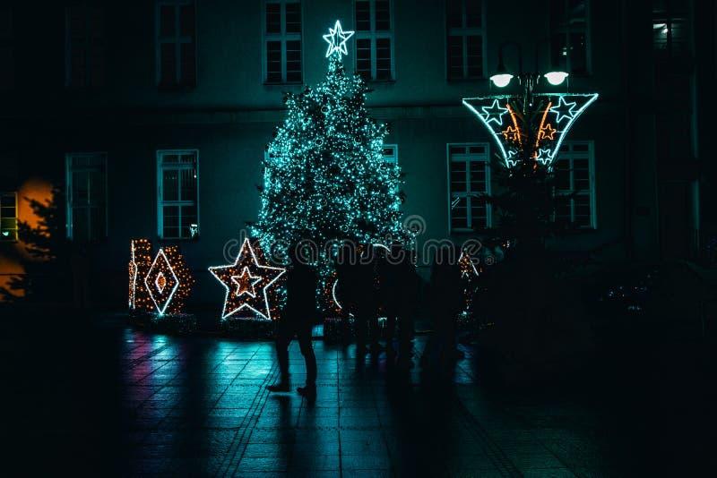 Decoração velha do Natal da cidade de Opole, silhuetas fotografia de stock