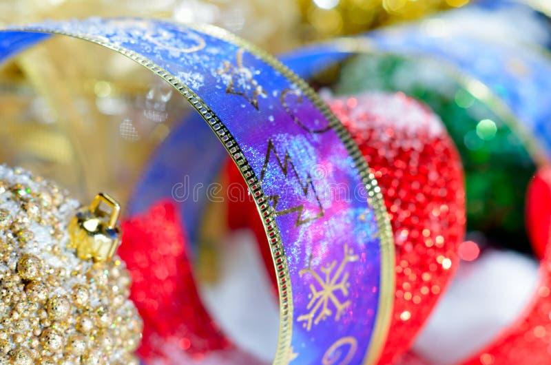 Decorações coloridas do Natal imagens de stock