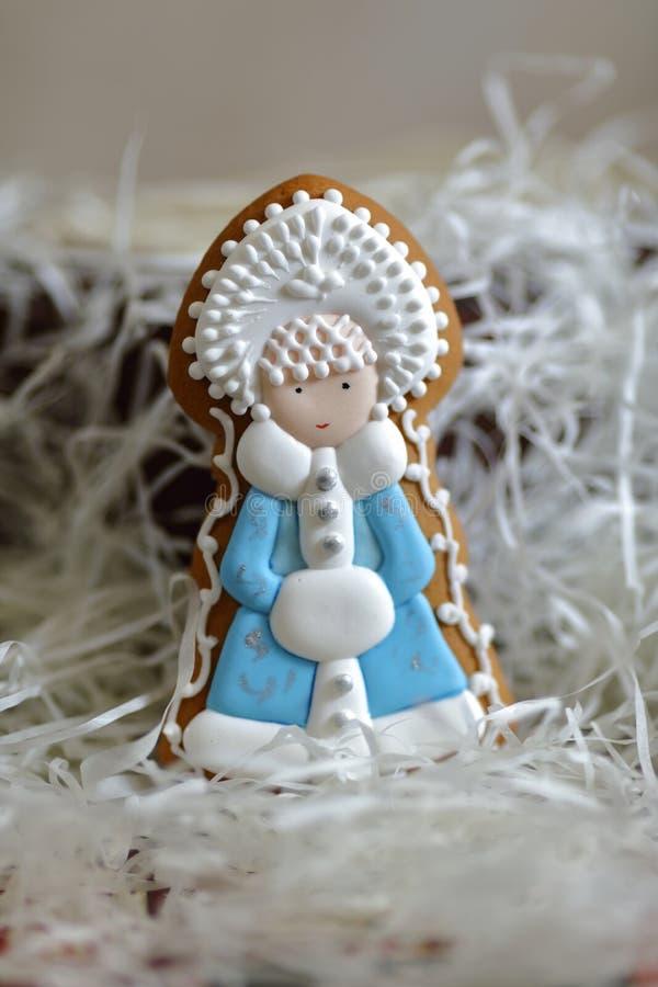 Decorações da árvore de Natal - Santa Claus, neva donzela, boneco de neve, pão-de-espécie fotos de stock