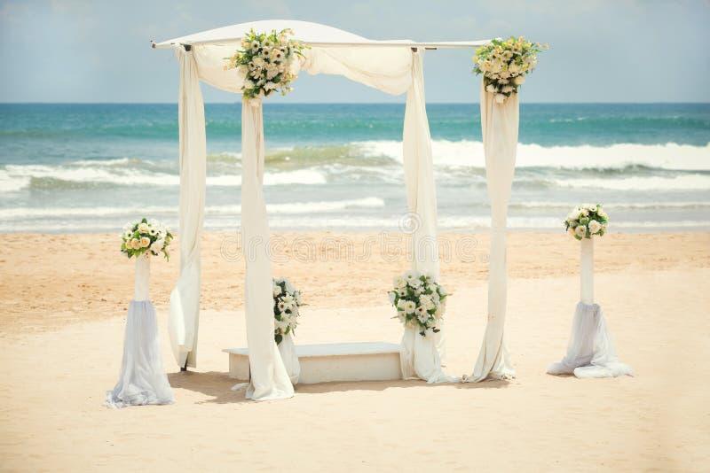 Decorações do casamento na praia fotos de stock royalty free