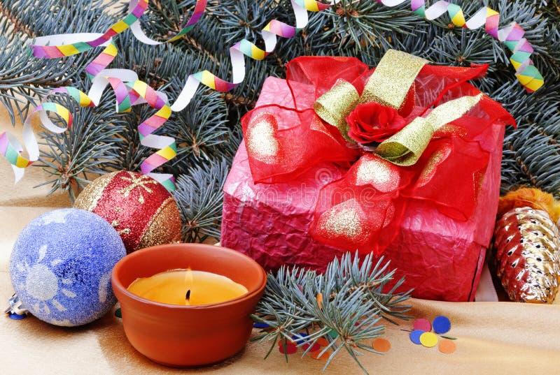 Download Decorações do Natal foto de stock. Imagem de curva, colorido - 16869596