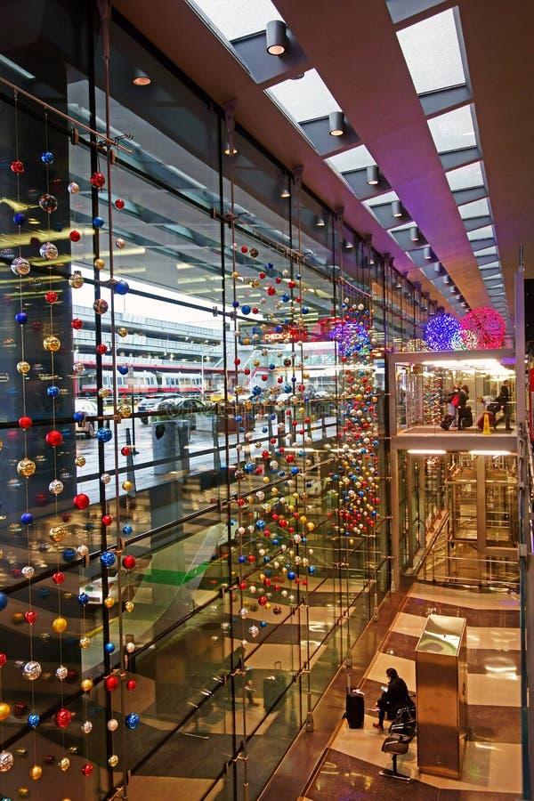 Decorações do Natal, aeroporto de O'Hare, Chicago foto de stock
