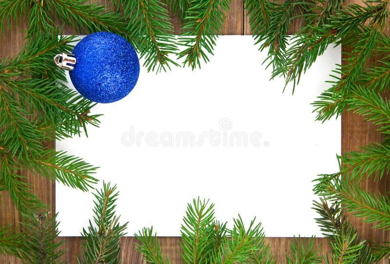 Decorações do Natal e ramos do abeto fotografia de stock