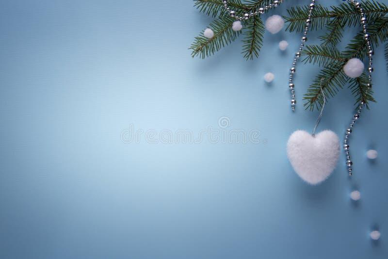 Decorações do Natal no azul com espaço da cópia foto de stock