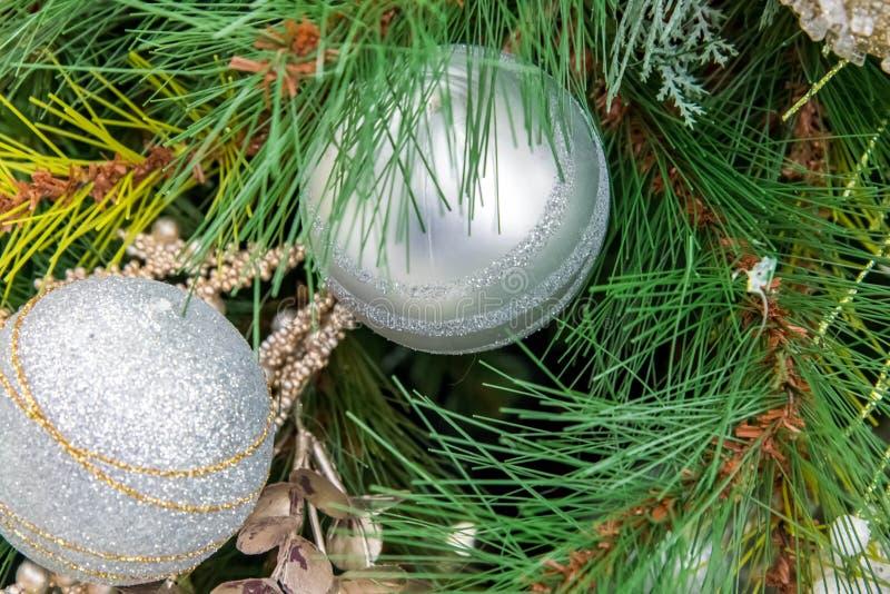 Decorações do Natal, ornamento brancos imagens de stock royalty free
