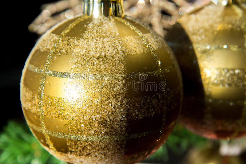 Decorações do Natal, ornamento do ouro imagem de stock