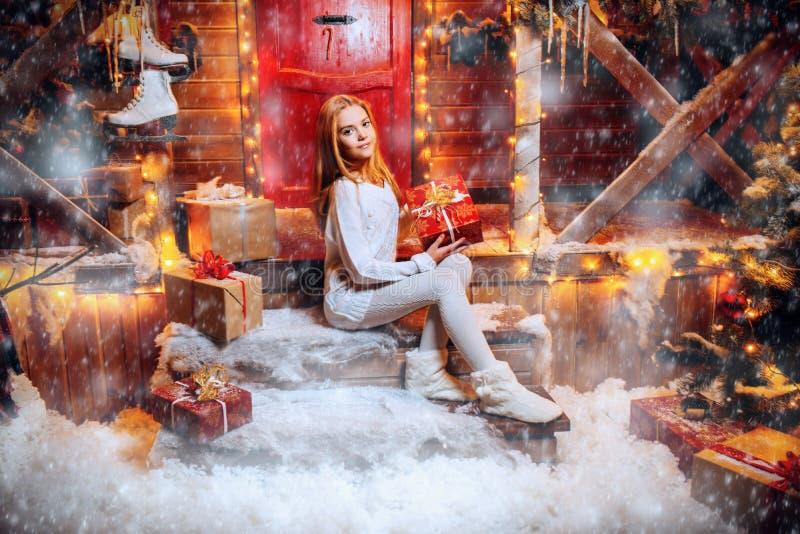 Decorações e presentes do Natal fotos de stock