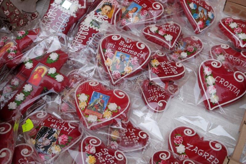 Decorações feitos à mão do Natal com símbolo tradicional do coração de Licitar de Zagreb imagens de stock