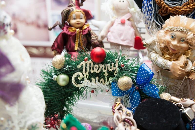 Decorações tradicionais e cumprimentos do Natal da família fotografia de stock