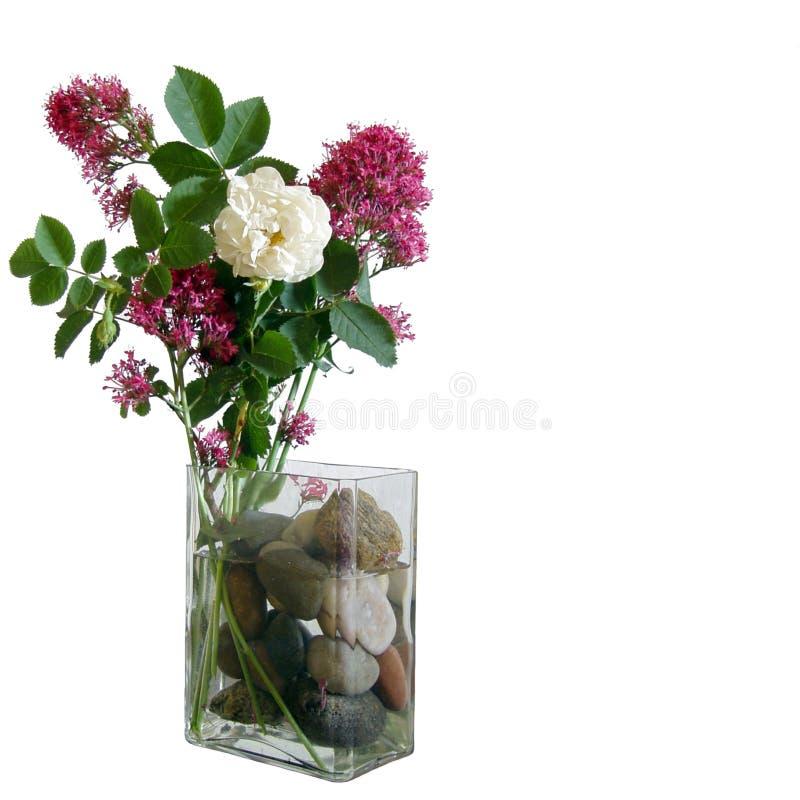 Decoración de la flor en un florero imagen de archivo libre de regalías