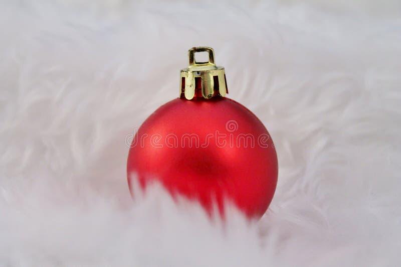 Decoración de la Navidad con nieve falsa imagen de archivo libre de regalías