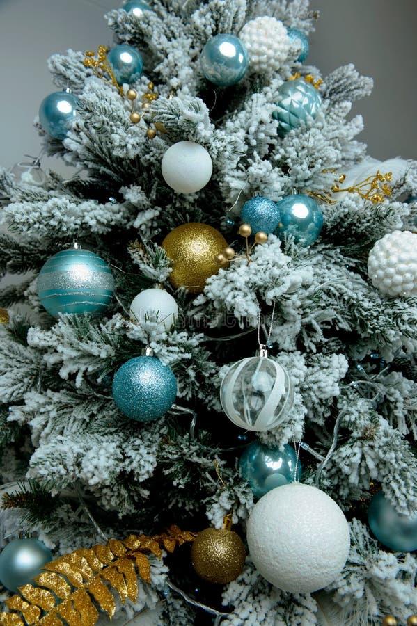 Decoración de la Navidad Fondo para los saludos del ` s del Año Nuevo imagen de archivo libre de regalías