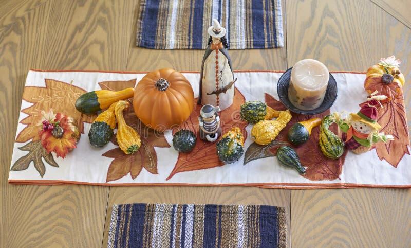 Decoración de la tabla de Halloween foto de archivo libre de regalías