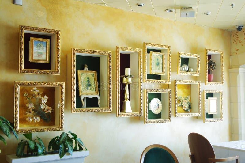 Decoración de las flores de pared imagen de archivo libre de regalías