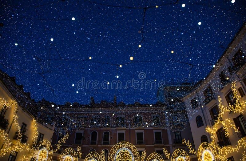 Decoración de las luces de la Navidad fotos de archivo