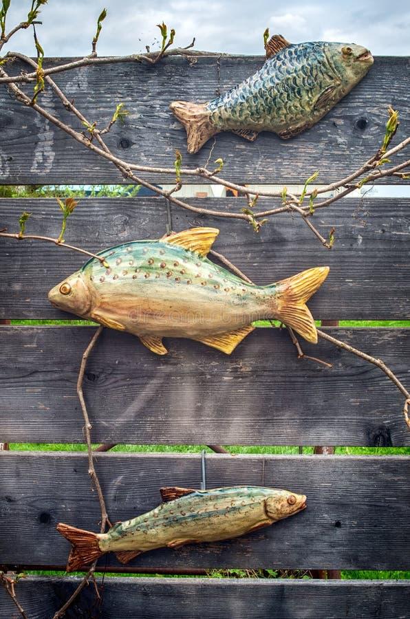 Decoración de los pescados del jardín foto de archivo