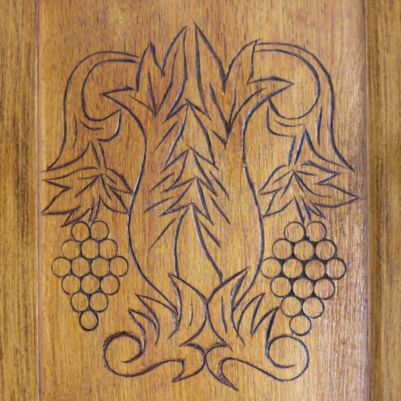 Decoración De Madera Del Ornamento En La Puerta De Armario Vieja ...