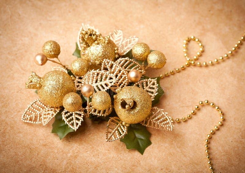 Decoración de oro de la Navidad fotografía de archivo
