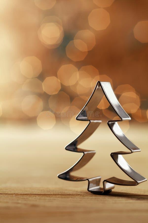 Decoración del cortador de la galleta del árbol de navidad foto de archivo libre de regalías