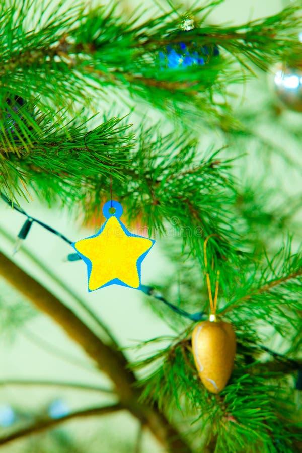 Decoración del ornamento del árbol de navidad de la chuchería del primer imagen de archivo