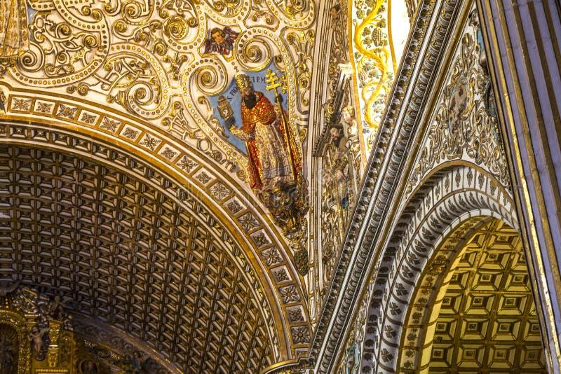 Decoración del techo en iglesia mexicana imagen de archivo