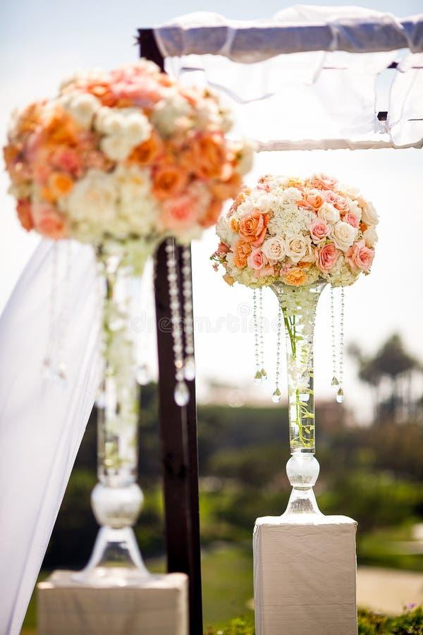 Decoración del Topiary de la ceremonia de boda foto de archivo
