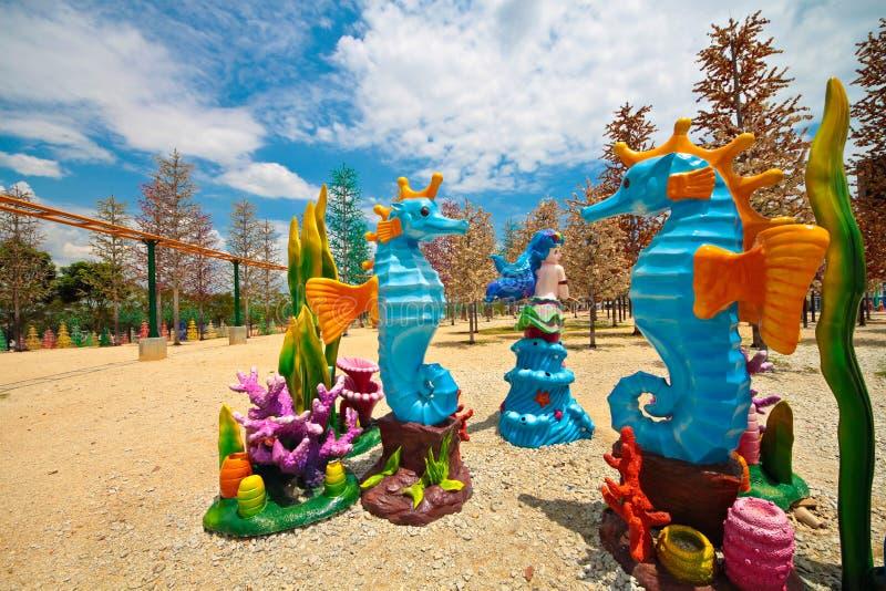 Decoración en un parque temático de los niños del LED imagen de archivo
