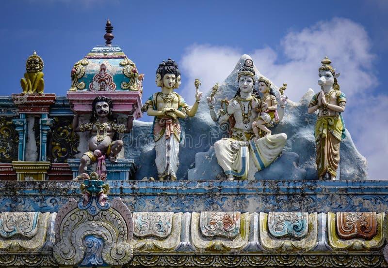 Decoración en un templo hindú antiguo imagen de archivo